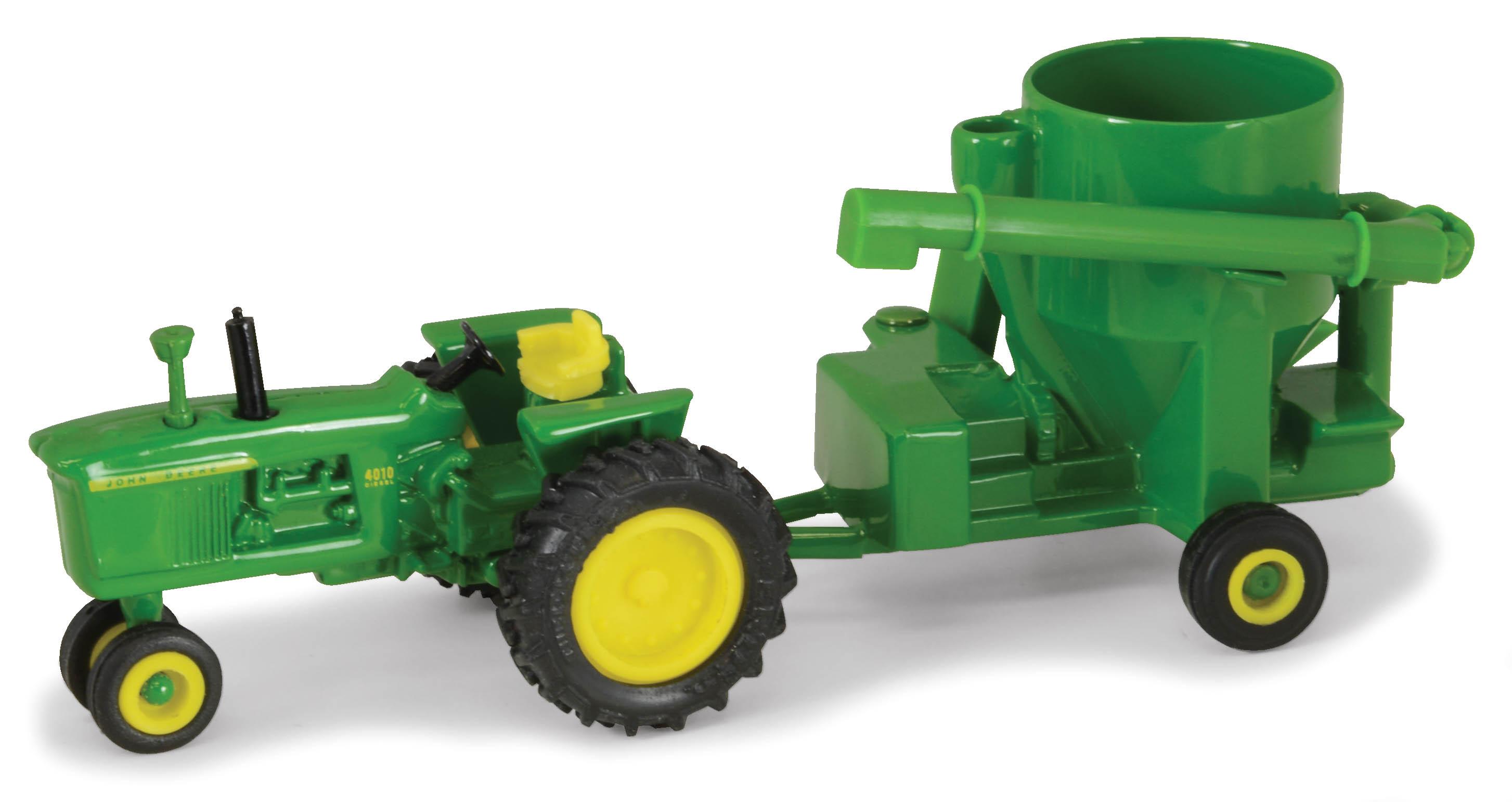 John Deere 4010 & Mixer Grinder   Down On The Farm