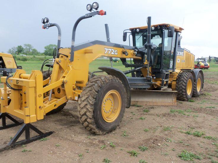 John Deere 772G motor grader | JD construction equipment | Pinterest