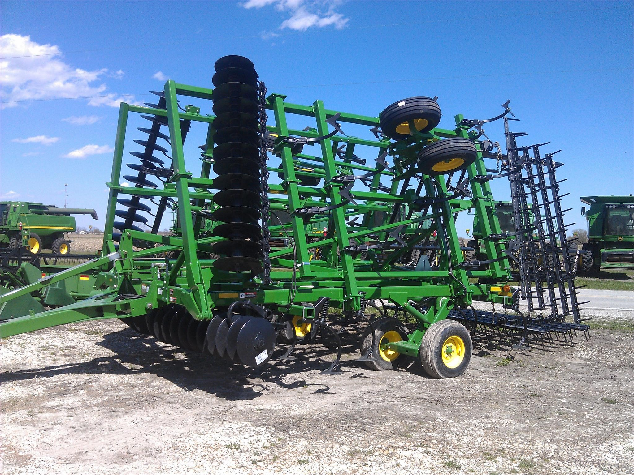 Wisconsin Ag Connection - JOHN DEERE 2310 Mulch Finishers for sale