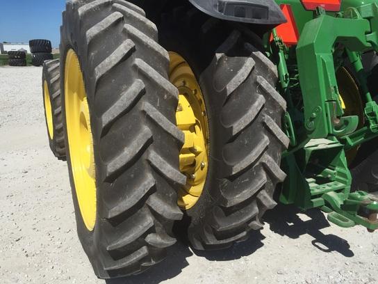 Row Crop Tractors : John Deere 8335R