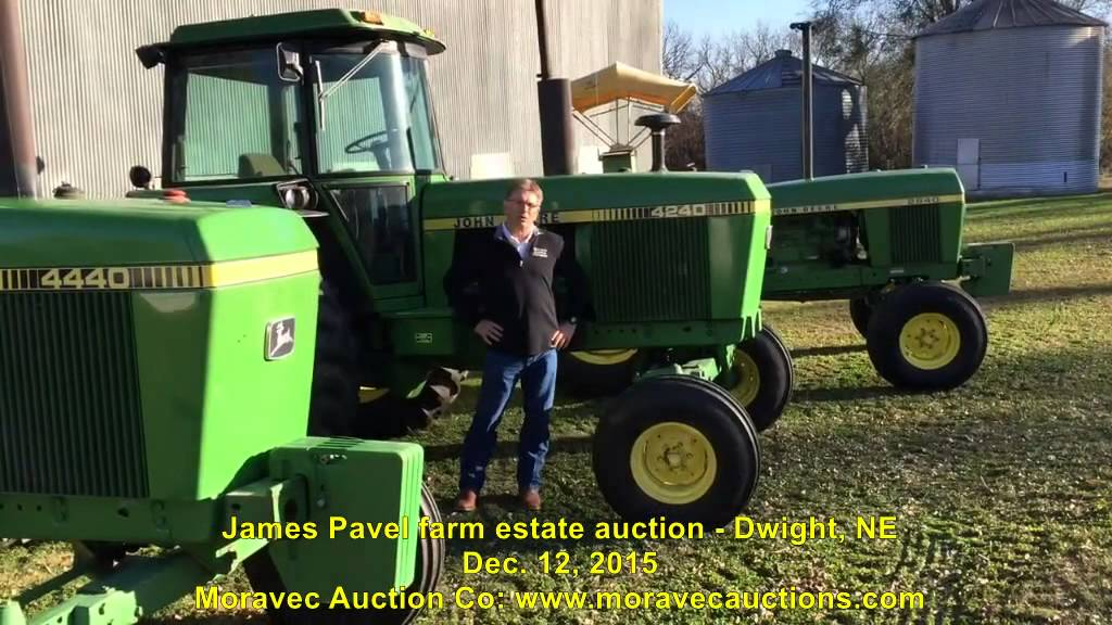 Low Hour John Deere 40 Series Tractors on Nebraska Farm ...