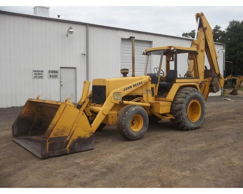 John Deere 710B Loader Backhoe