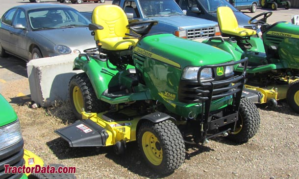 John Deere X748SE, front-right view