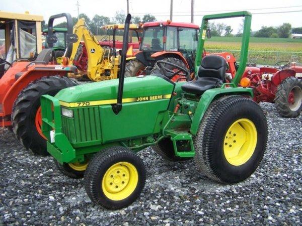 160: John Deere 770 4x4 Compact Tractor : Lot 160