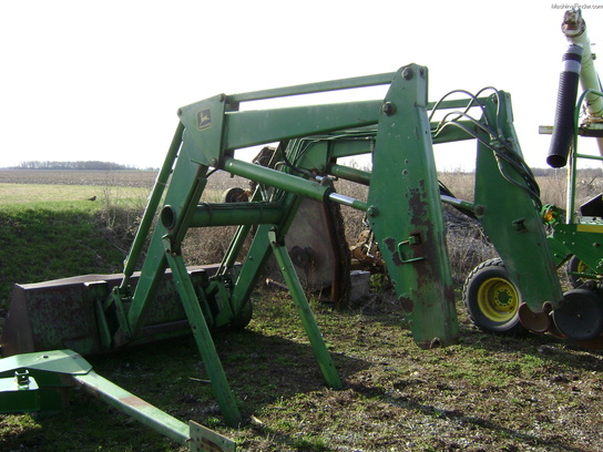 John Deere 260 Tractor Loaders - John Deere MachineFinder