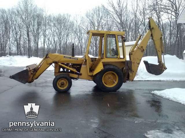 John Deere 300B - Scranton, Pennsylvania, USA   EquipmentOne