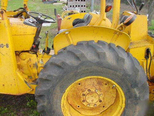 John deere 300B tractor loader backhoe bargain