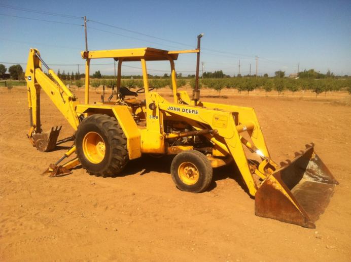 John deere 310B pictures - Yesterday's Tractors