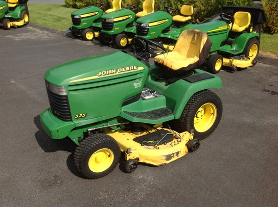 John Deere 325 Lawn & Garden and Commercial Mowing - John ...