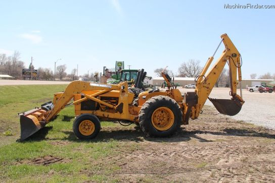 John Deere 400 TRACTOR LOADER BACKHOE