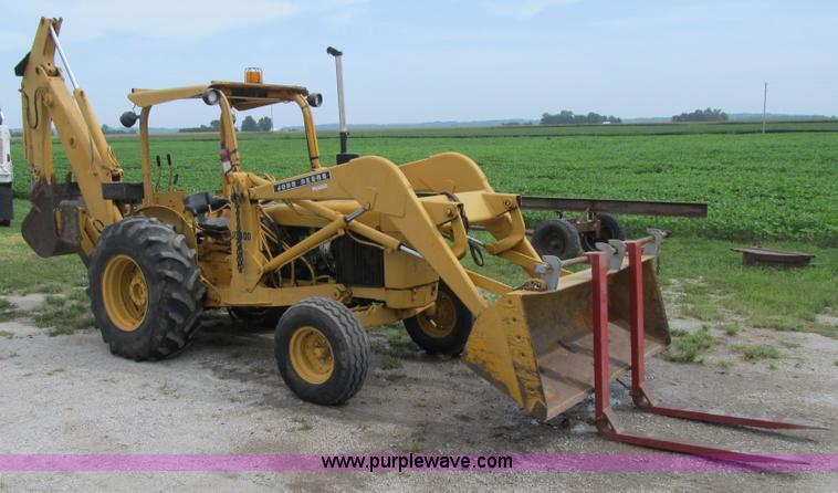 John Deere 400 backhoe | no-reserve auction on Thursday ...