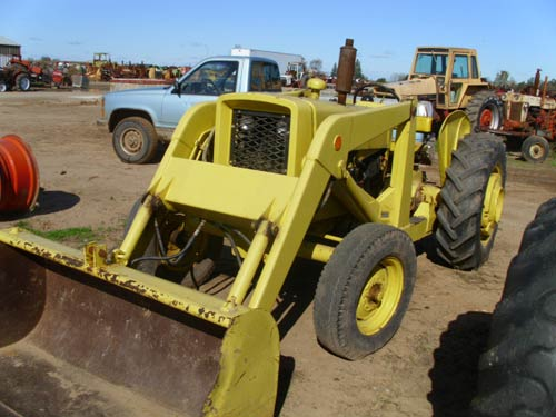 Salvaged John Deere 440 industrial for used parts | EQ ...