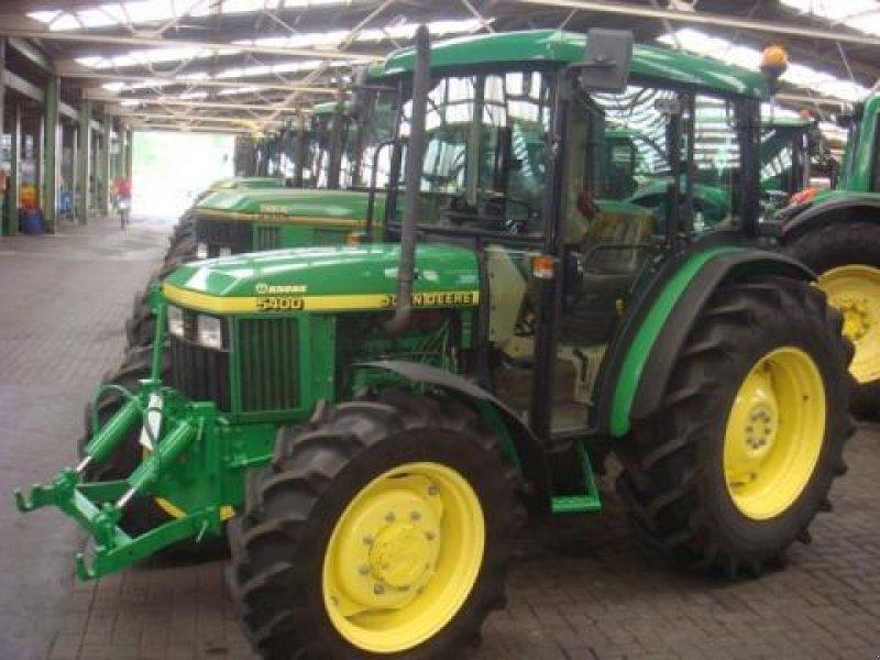 John Deere 5400 Tractor - technikboerse.com