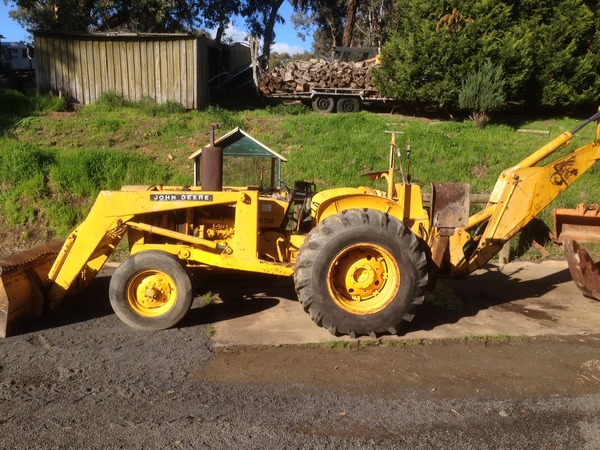 JOHN DEERE 300 FRONT END LOADER & BACKHOE in Yarrambat VIC ...