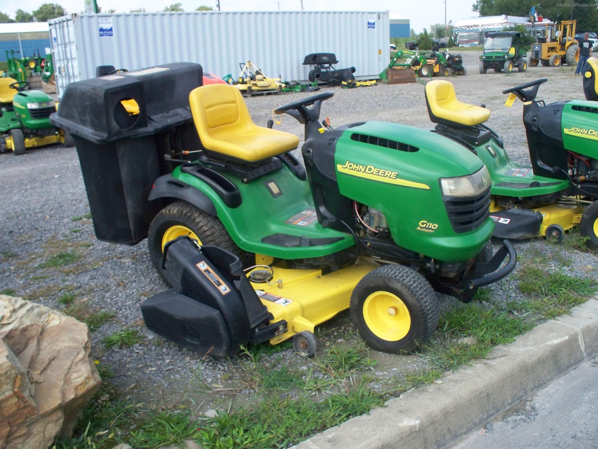 2004 John Deere G110 Lawn & Garden and Commercial Mowing - John Deere ...