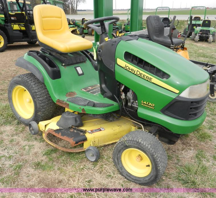 John Deere LA130 lawn mower | no-reserve auction on Wednesday, April ...
