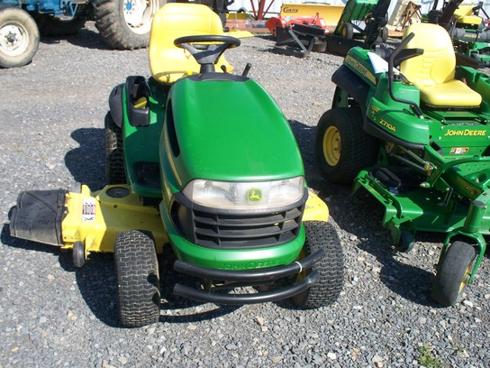 John Deere LA150 Lawn & Garden and Commercial Mowing - John Deere ...