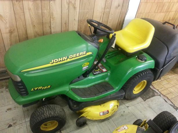 John Deere LTR166 Lawn Tractor Central Nanaimo, Parksville ...