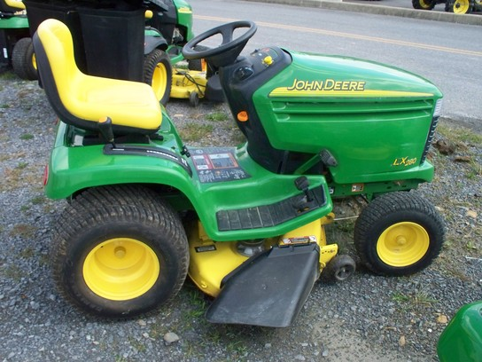 John Deere LX280 Lawn & Garden and Commercial Mowing - John Deere ...