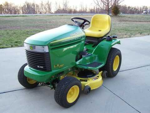 John Deere LX280 Riding Lawn Tractor/Mower