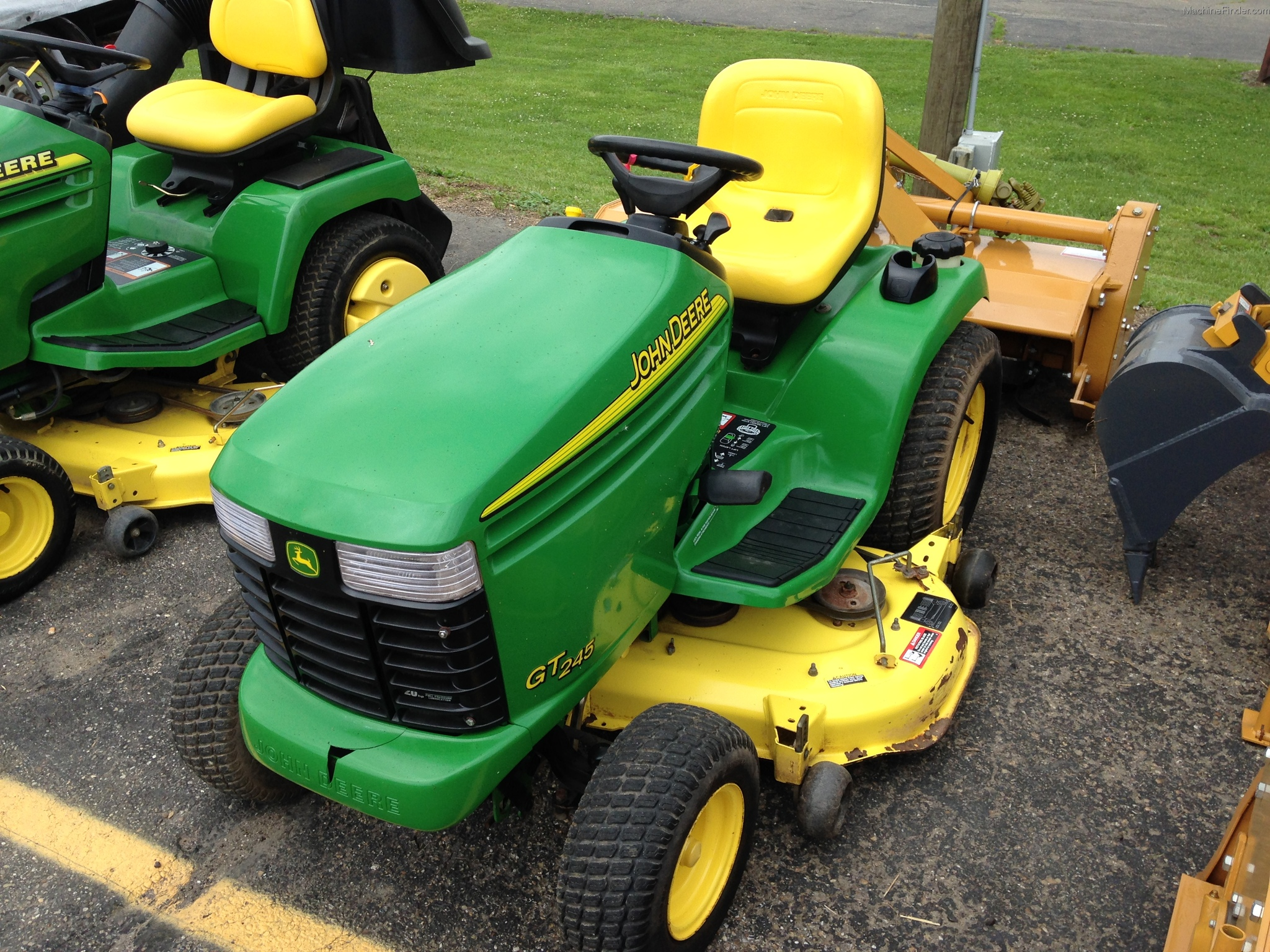 2005 John Deere GT245 Lawn & Garden and Commercial Mowing - John Deere ...