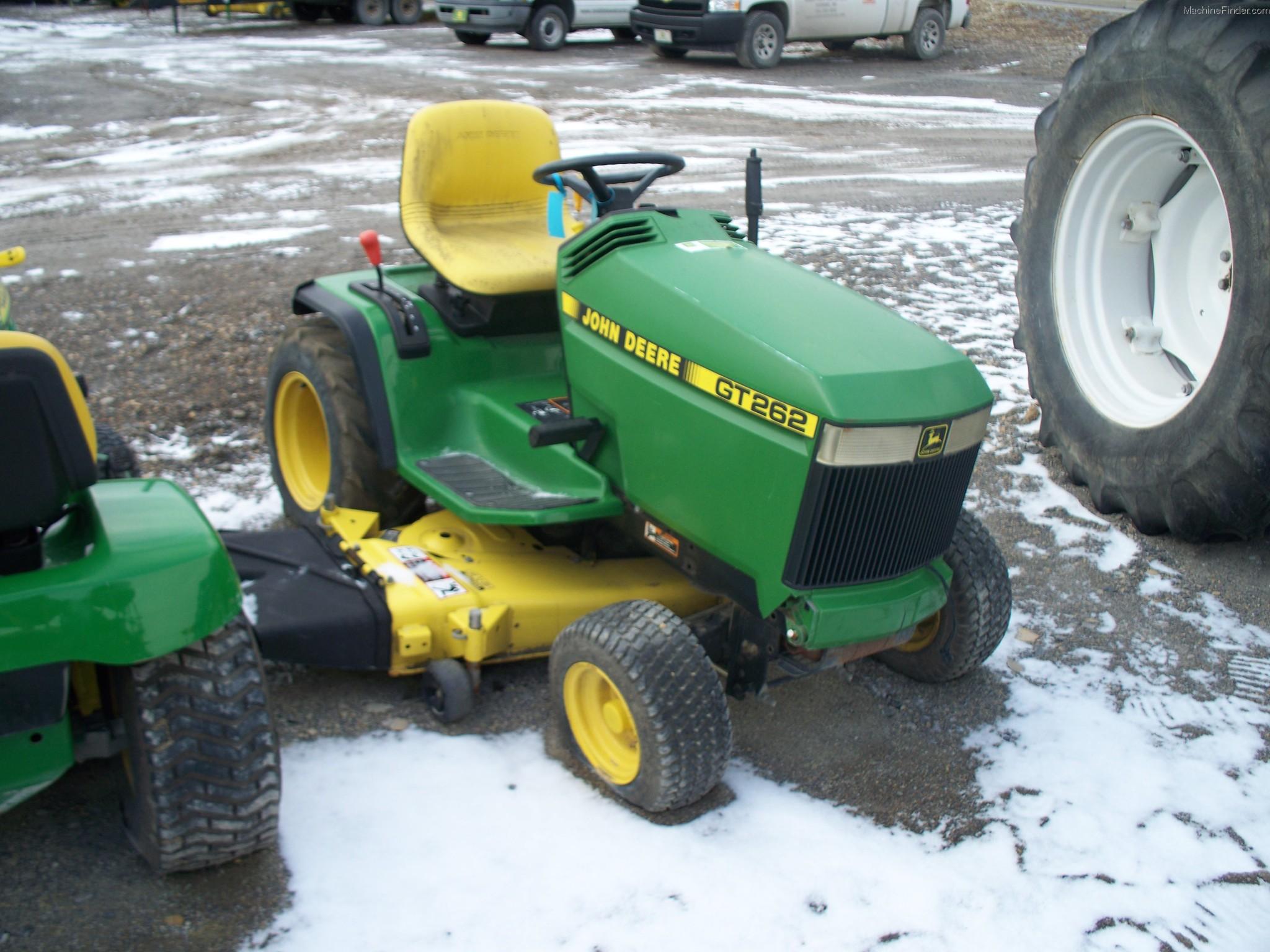 John Deere GT262 Lawn & Garden and Commercial Mowing - John Deere ...