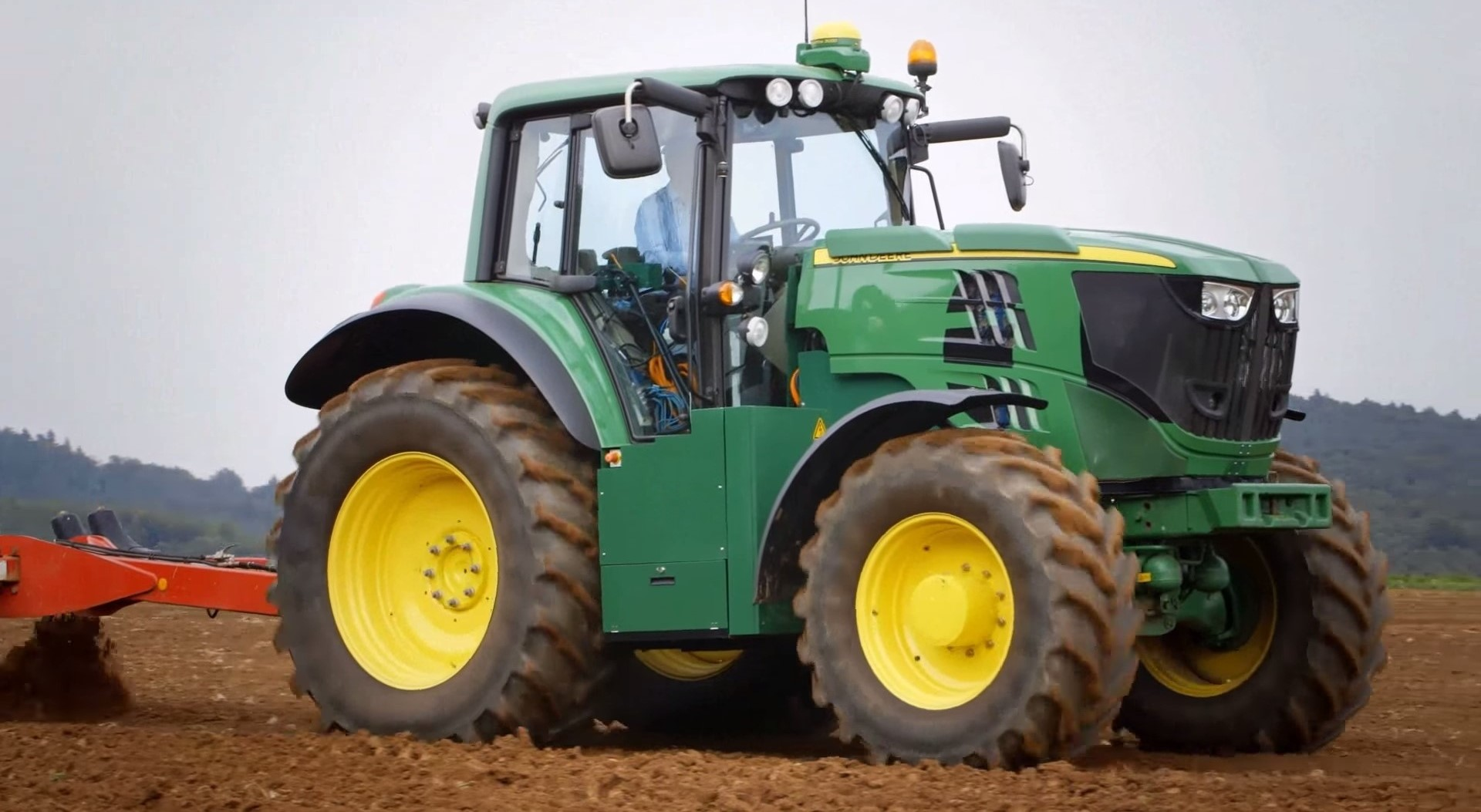 Video: John Deere's fully-electric tractor project update ...