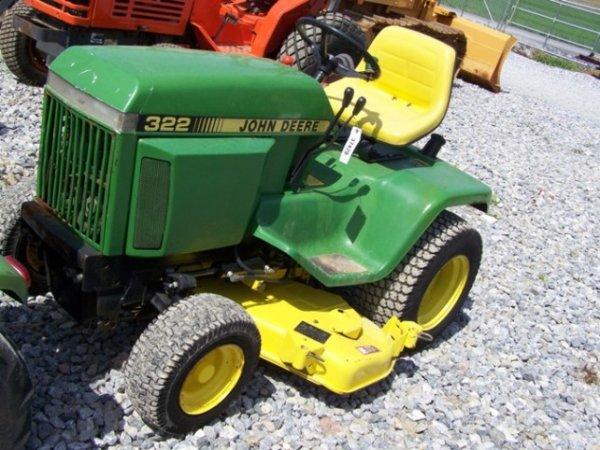 192: John Deere 322 Lawn and Garden Tractor, 48 Mower