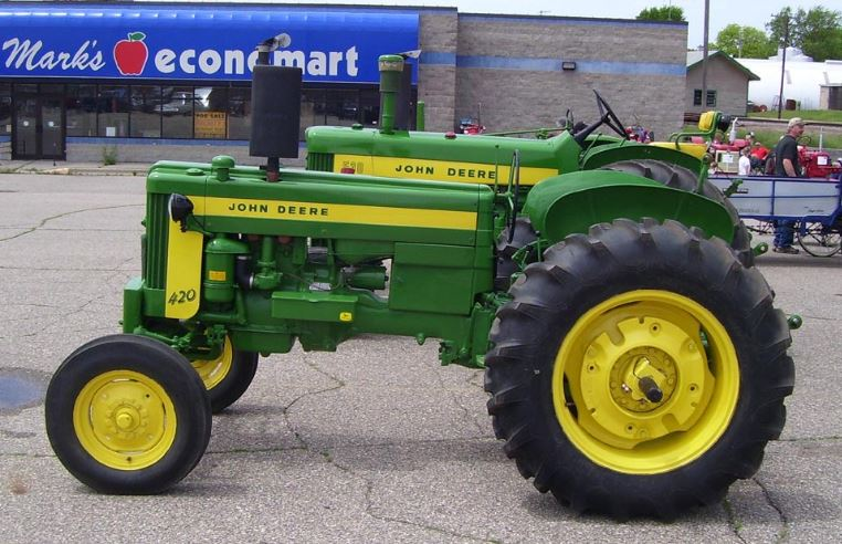 John Deere 420 Tractors Price, Specification & Review