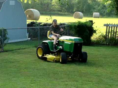 John Deere 400 mowing - YouTube