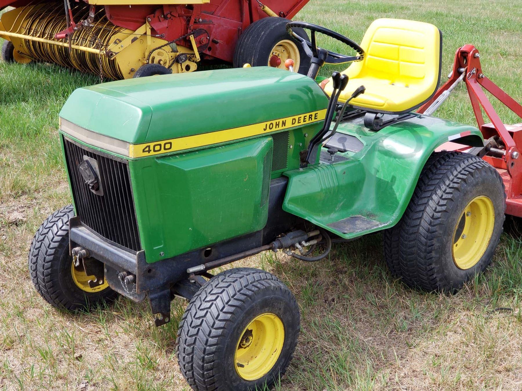 1977 John Deere 400 Tractor, 3PTH