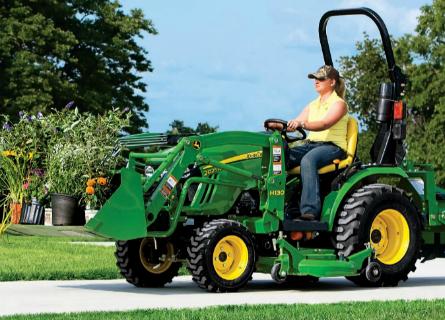 John Deere 2025R Compact Utility Tractor