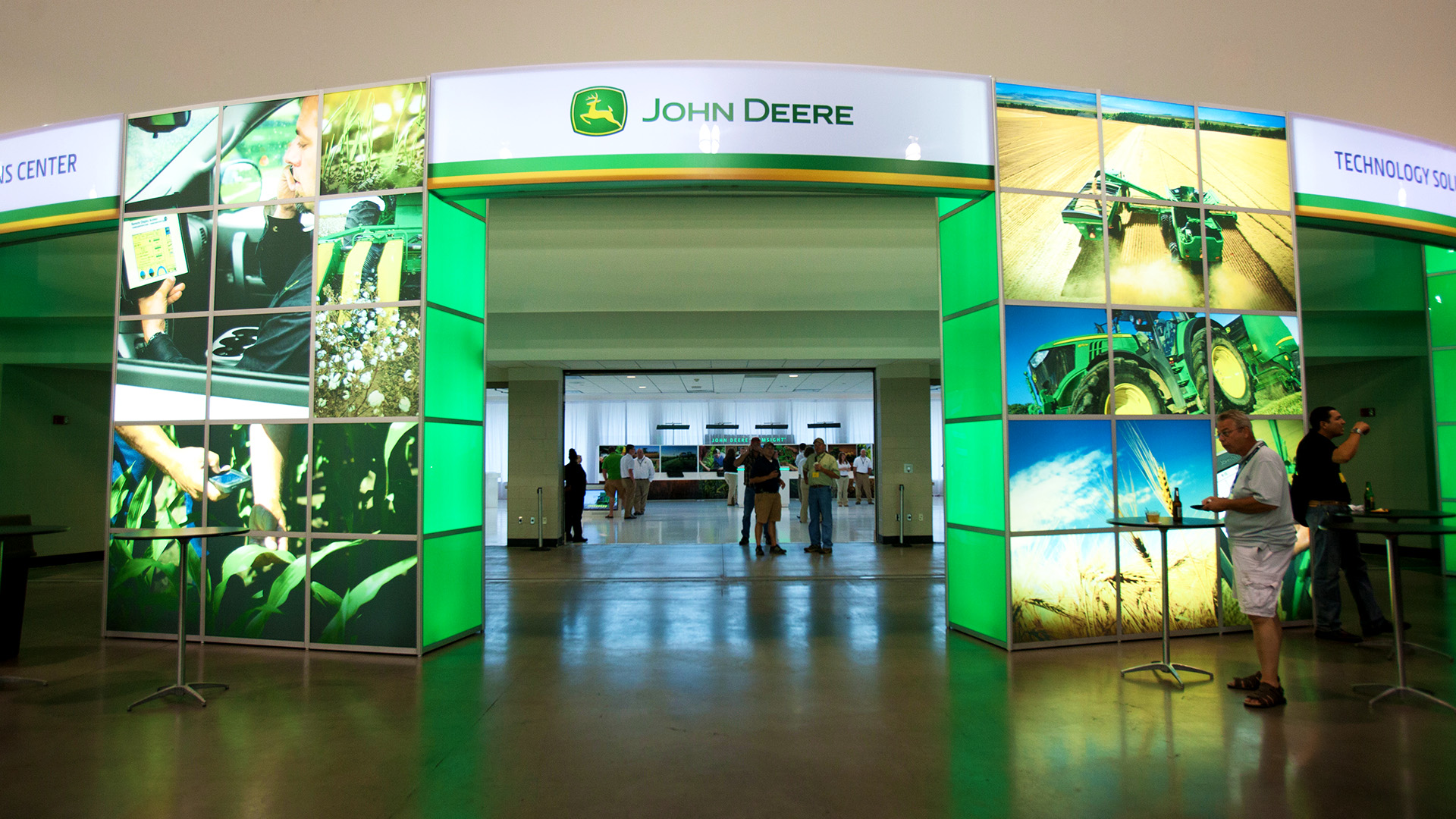 John Deere Ag Management Solutions - Technology that pays Brochure