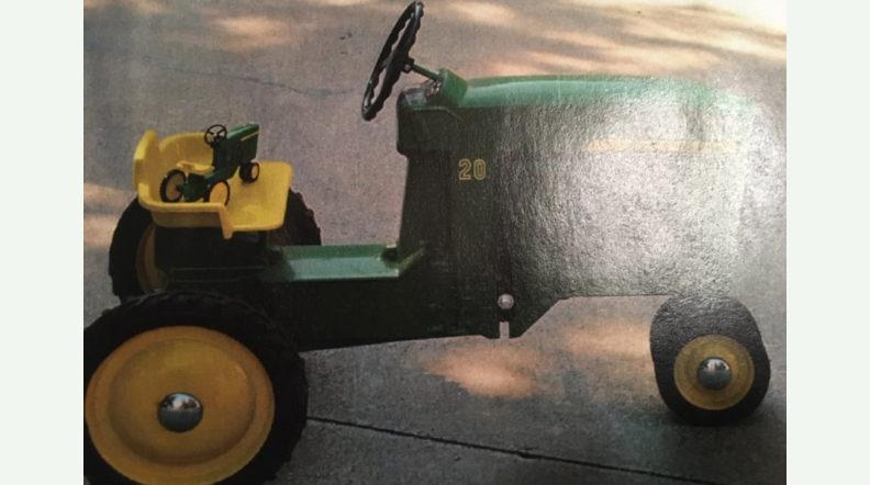 John Deere Ertl #20 Pedal Tractor | Lot T132 | Davenport ...