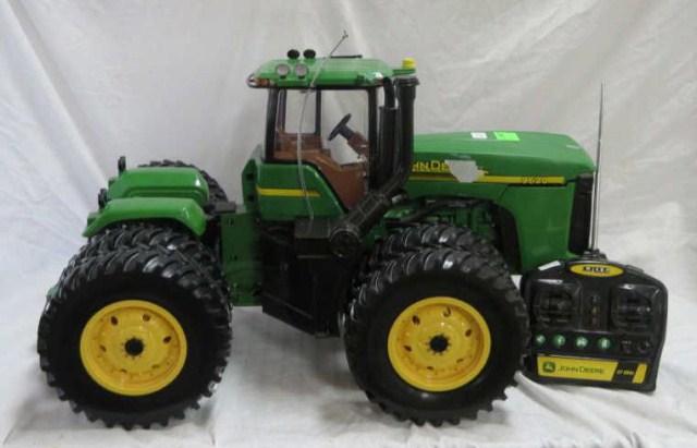 Ertl John Deere 9620 remote control tractor