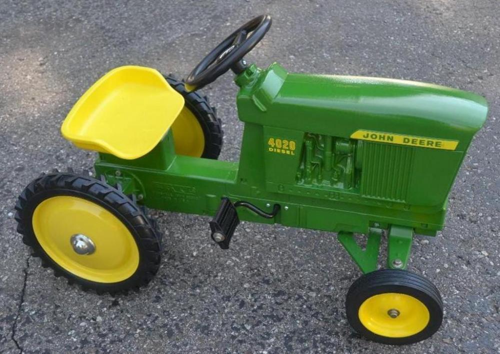 Ertl John Deere 4020 Diesel wide front pedal tractor ...