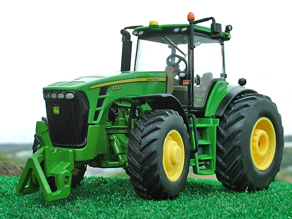 BNIB Britains John Deere 8330 Tractor 1:32 Scale 42407 | eBay