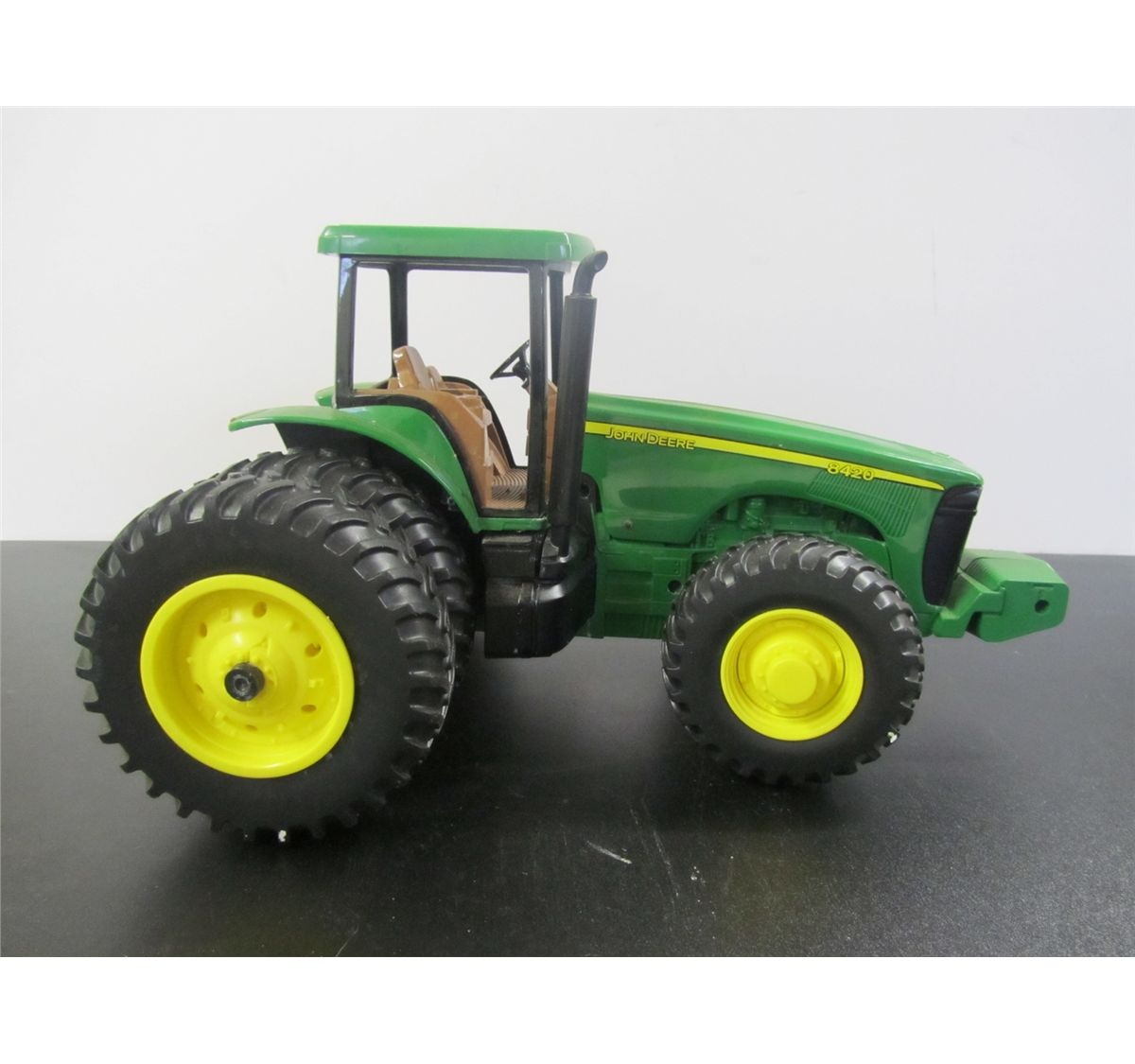 John Deere 8420 Toy Tractor 1/18 Scale - Dual Rears and ...