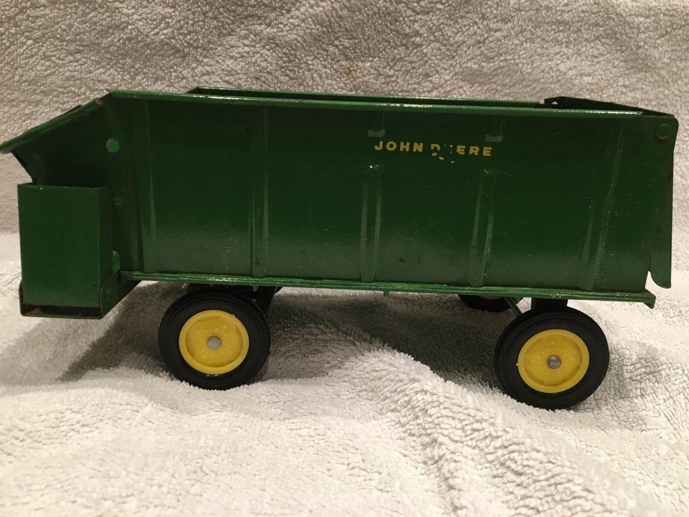 1970s John Deere chuck wagon 1/16 Ertl antique farm toy ...