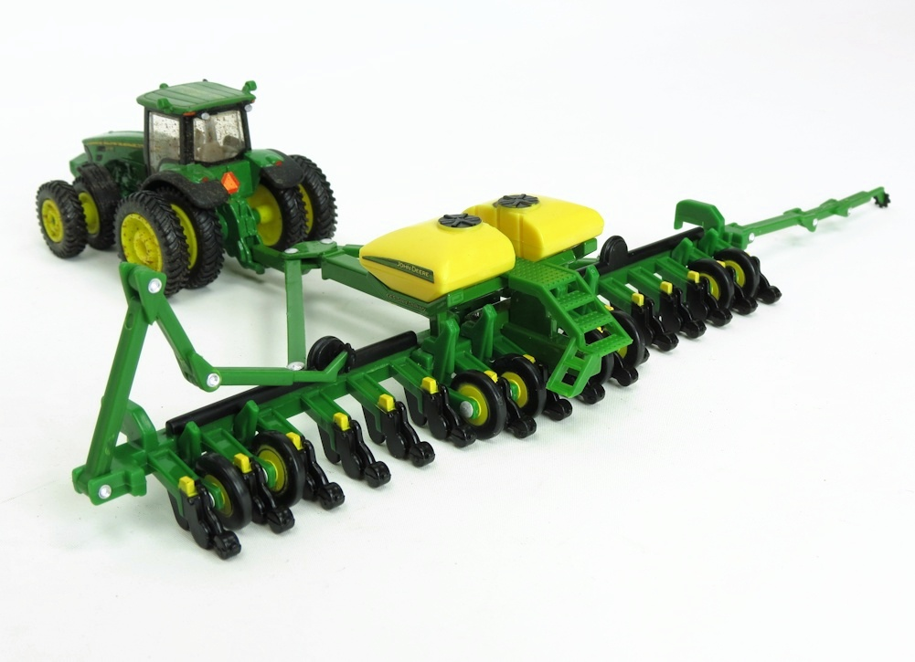 1/64 John Deere 16 Row 1770NT Planter w/ Center Tank by ERTL
