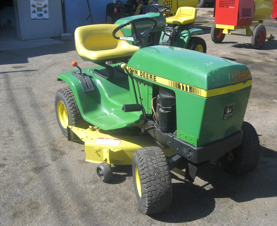 i.40 John Deere 111 Lawn Tractor - GOLDSTAR EQUIPMENT ...