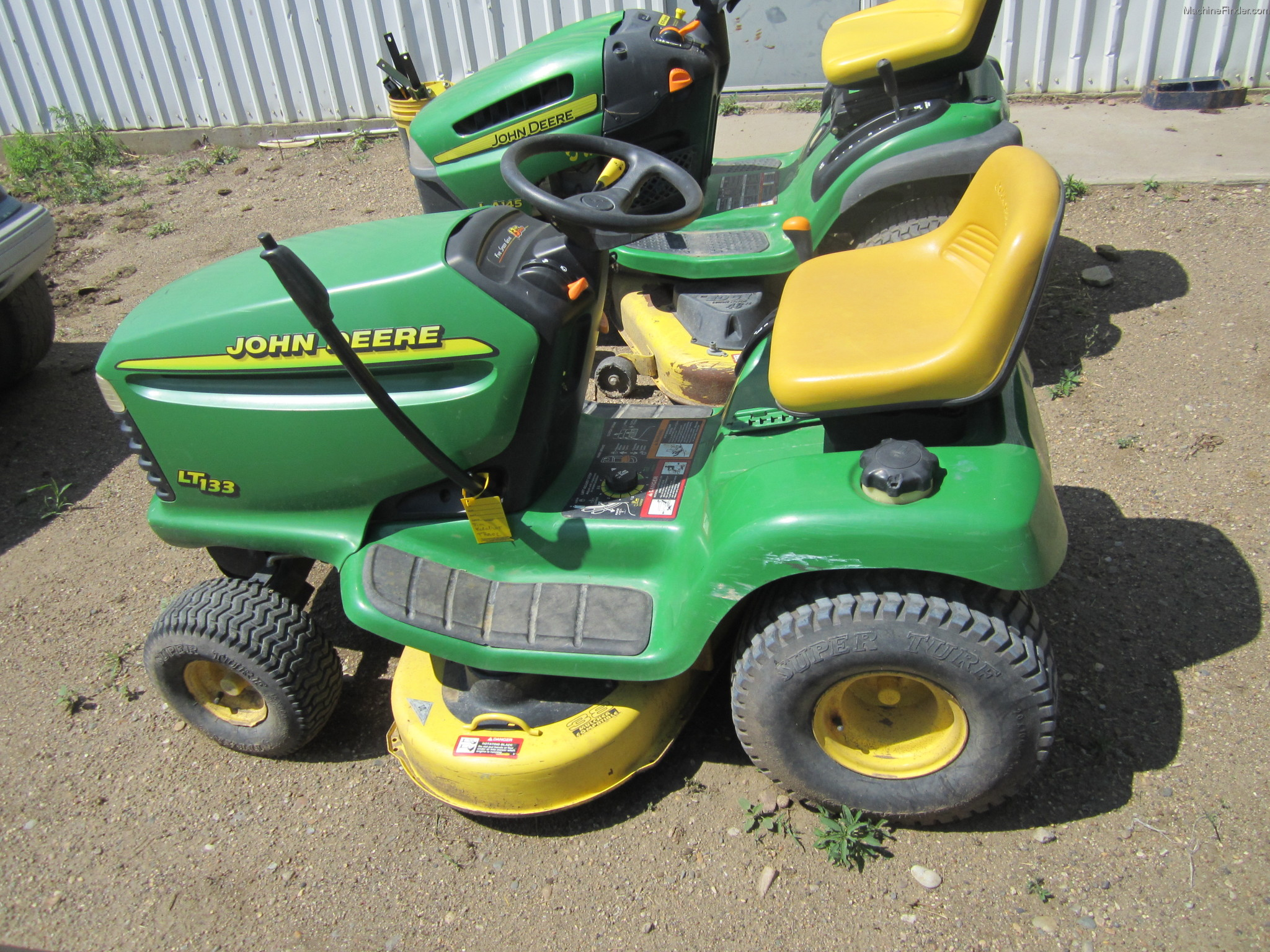 John Deere LT133 Lawn & Garden and Commercial Mowing ...