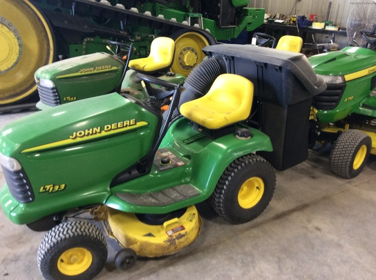 1999 John Deere LT133 Lawn & Garden and Commercial Mowing ...