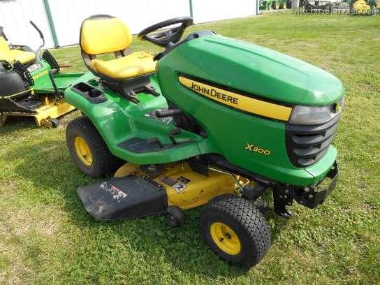 2008 John Deere X300 Lawn & Garden and Commercial Mowing ...