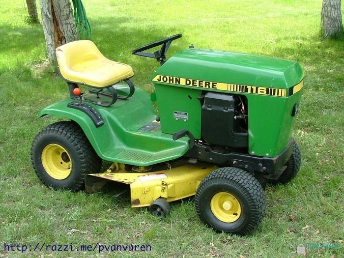 John Deere 116 lawn tractor with mower deck   Garden ...