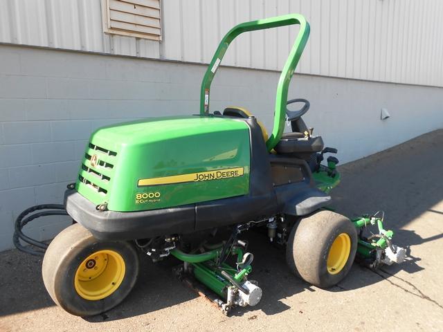 #3050 – John Deere 8000E Fairway Mower – Cutter Equipment ...