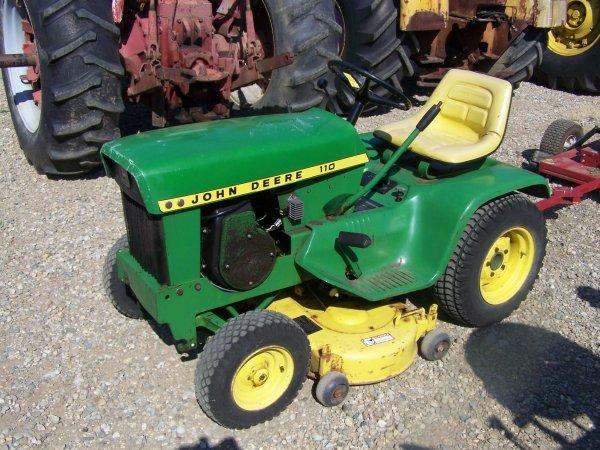 7888: John Deere 110 Lawn & Garden Tractor with Mower ...