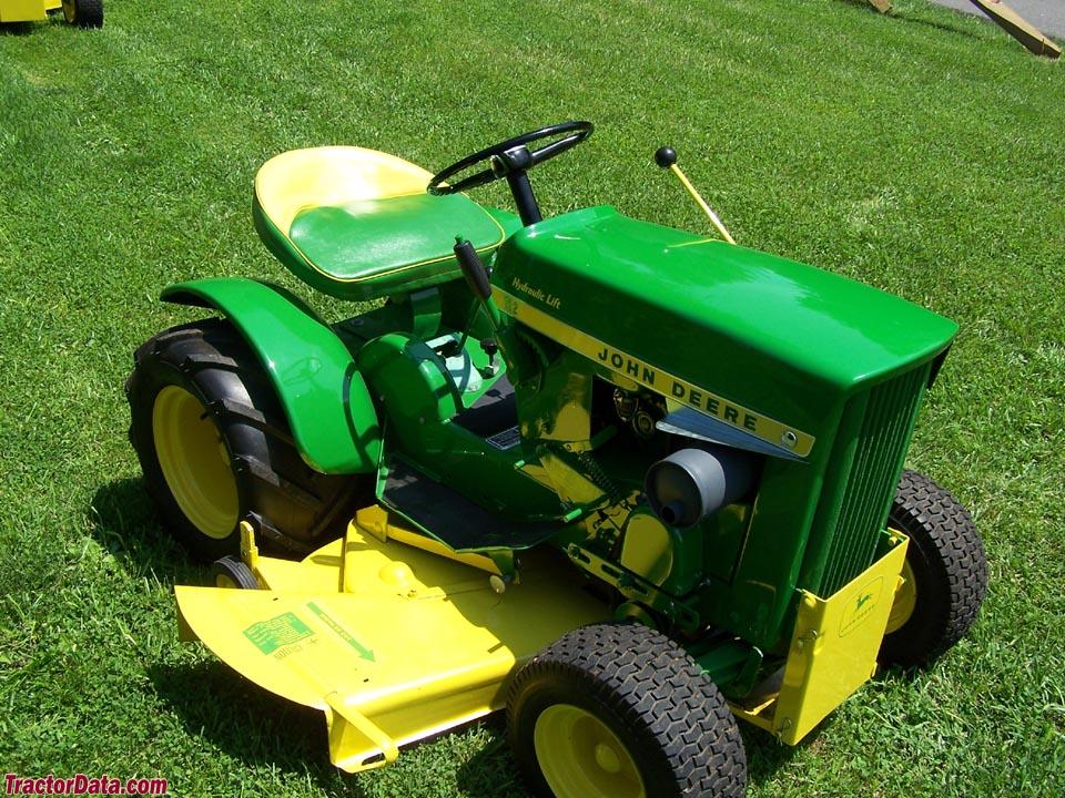 Alfa img - Showing > John Deere 112 Garden Tractor