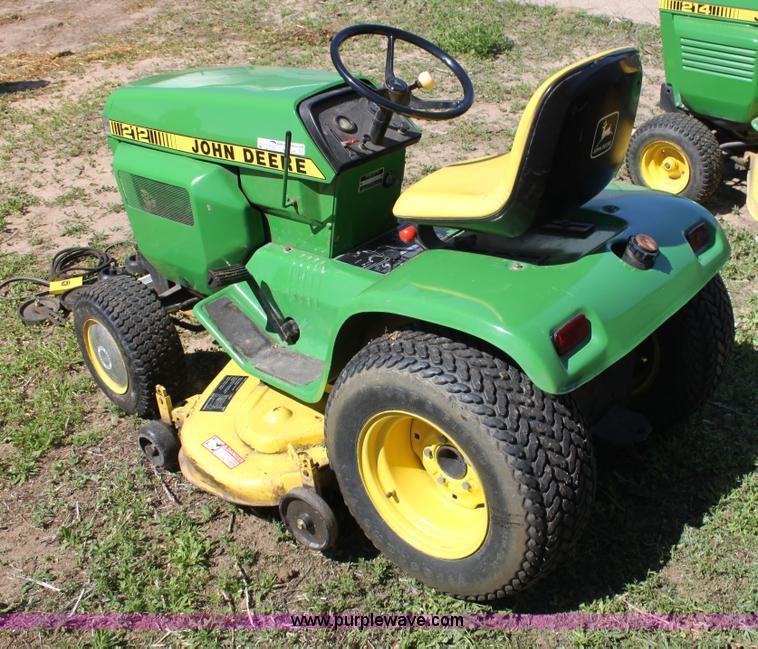 John Deere 212 Lawn Tractor: John Deere 212 - e-cighq.com
