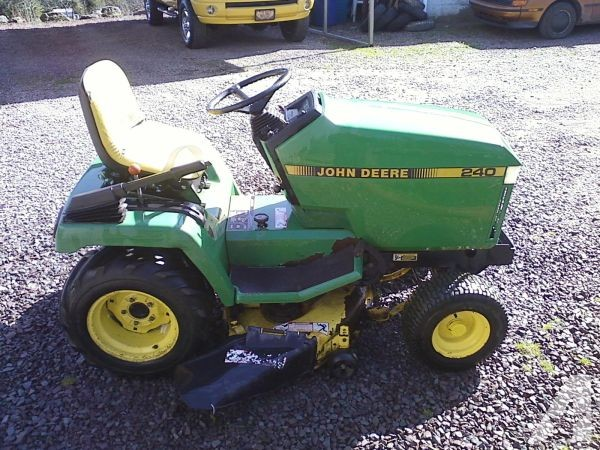 JOHN DEERE 240 LAWN TRACTOR - (SWEET VALLEY) for Sale in ...